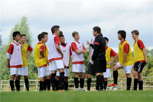 2014曼联足球学校足球及英语夏令营