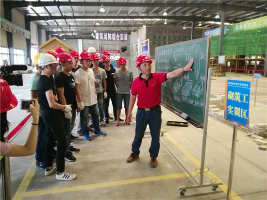 王忠明:从农民工到湖北城市建设职业技术学院实训导师的逆袭